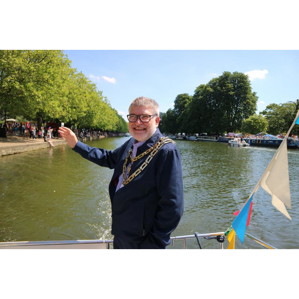 Mayor Dave Hodgson on the River at 2018 River Festival