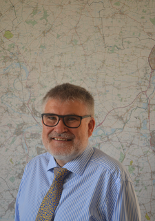 Mayor Dave Hodgson with Bedford Borough Map